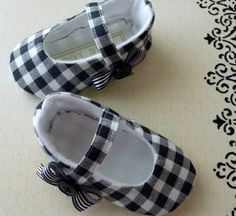 Pixie Toes Country Chic Baby Shoes by cottagecloset on Etsy