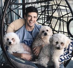 grant and his dogs😍 Berry Allen, O Flash, Flash Barry Allen, The Flash Grant Gustin, Cw Dc, Supergirl And Flash, First Love, My Love, My Guy