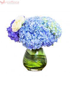 Blue Elegance – Buchet din hortensii si trandafiri