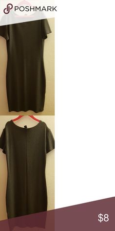 """Olive Green Bodycon Dress Olive green bodycon dress from Forever 21 Worn a handful of times. Stretches well. Care tags snipped off. I am 5'1"""" and it reaches a couple of inches above my knees.  Will ship on weekends. Forever21 Dresses"""