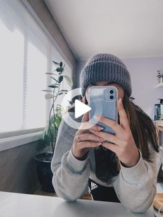 #livewallpaper #iphonelivewallpaper #iphonewallpaper Cute Cases, Cute Phone Cases, Iphone Phone Cases, Iphone 11, Apple Iphone, Telefon Apple, Accessoires Iphone, Live Wallpaper Iphone, Aesthetic Phone Case