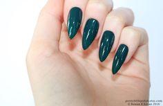 Dark green stiletto nails, Fake nail, Stiletto nail, Kylie jenner, Black stiletto nail, Press on nail, Acrylic nail, Fake nail stiletto by prettylittlepolish on Etsy https://www.etsy.com/uk/listing/222866057/dark-green-stiletto-nails-fake-nail