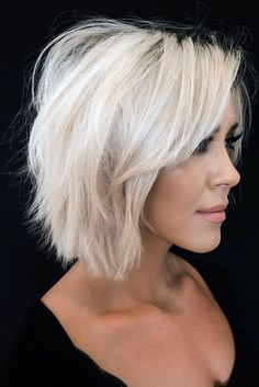Side Long Bang ❤ If you are searching for the perfect short hairstyles for fine hair to suit you we hope to be able to help with that decision. Let's explore some options. ❤ Hairstyles 25 Perfect Short Hairstyles For Fine Hair Haircuts For Fine Hair, Short Hairstyles For Women, Cool Hairstyles, Short Choppy Haircuts, Choppy Bob Hairstyles For Fine Hair, Short Shaggy Bob, Hairstyles Haircuts, Short Hairstyles For Thin Hair, Textured Bob Hairstyles