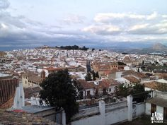 Antequera (Málaga), by @mundoalavuelta Cities, Christmas Markets, Paris Skyline, Places, Travel, World, Earth, Viajes, Destinations