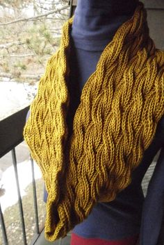Reversible Cabled Brioche Stitch Scarf By Saralyn Harvey - Free Knitted Pattern - (ravelry)