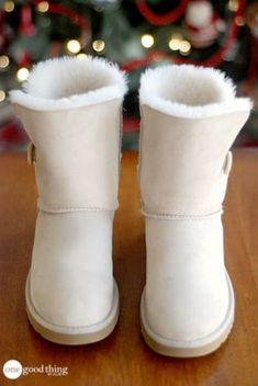 Boots women,Minelli boots* perfect style for a Parisian winter Cheap Snow Boots, Ugg Snow Boots, Ugg Boots Sale, Snow Boots Women, Winter Boots, Gyaru, Soft Grunge, Original Ugg Boots, Ugg Boots Outfit