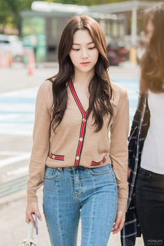Kpop Fashion, Korean Fashion, Girl Fashion, Ulzzang, Girl Outfits, Fashion Outfits, Cute Beauty, Korean Outfits, Fashion Lookbook