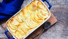 Italiaanse bloemkoolschotel uit de oven Potato Appetizers, Appetizer Recipes, Patate Dauphinoise, Tapas, Carb Replacement, Low Carb Potatoes, 2000 Calories, 2000 Calorie Diet, Macaroni And Cheese