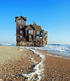 Reminiscent of the house we stayed in on the Outer Banks.