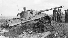 Panzerkampfwagen VI Tiger (8,8 cm L/56) Ausf. E (Sd.Kfz. 181) Nr. 332 | Flickr - Photo Sharing!