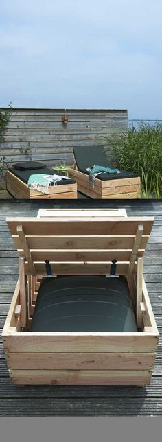 14 Super Cool DIY Backyard Furniture Projects is part of Cool furniture Chairs - Try these outdoor furniture tutorials! We have a great selection of super cool DIY backyard furniture projects that you can create for your garden! Backyard Furniture, Furniture Projects, Outdoor Furniture Sets, Outdoor Decor, Diy Projects, Furniture Ideas, Furniture Design, Furniture Storage, Furniture Outlet