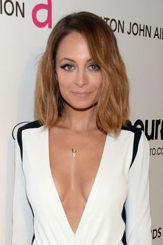 Love the v-necklace of Nicole Richie