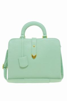 Don't judge but we just fell in love with a handbag.