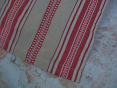 Pottery Barn Beige & Red Woven Stripe Twin Bedskirt Dust Ruffle With 14 Drop - Bed Skirts
