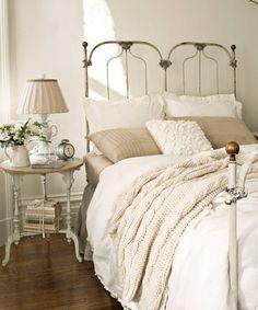 Cast Iron Bed | vintage design | vintage interior | historical design