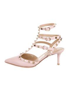 Valentino Pink Leather Rockstud Pumps #Valentino #SummerMustHave