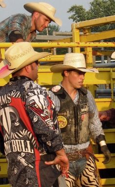 Bull riders... Why you so sexy!?!?