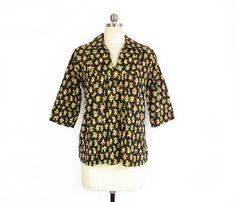 Vintage Block Print Shirt -- 70s Indian Blouse -- Bohemian Shirt -- Loose Cotton Peasant Blouse with Collar -- Black & Yellow - Womens S / M by ImprovGoods on Etsy