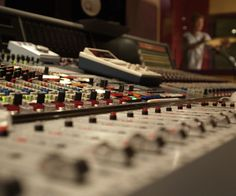 Mixing and Remixing: The Ultimate Guide to Digital Music Production