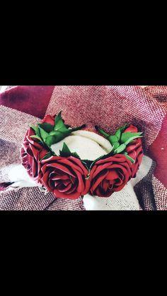 Купить или заказать Ободок с цветами из фоамирана в интернет магазине на Ярмарке Мастеров. С доставкой по России и СНГ. Материалы: фоамиран для цветов, акриловые краски,…