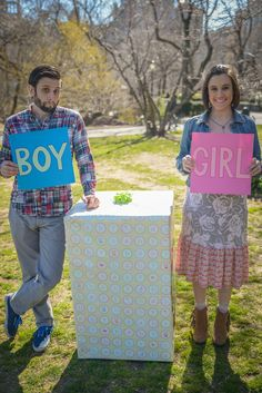 Baby Gender Reveal - too cute not to share, :-) Gender Reveal Photos, Baby Gender Reveal Party, Gender Party, Baby Planning, Baby Time, Reveal Parties, Maternity Pictures, Baby Shower Parties, Baby Fever