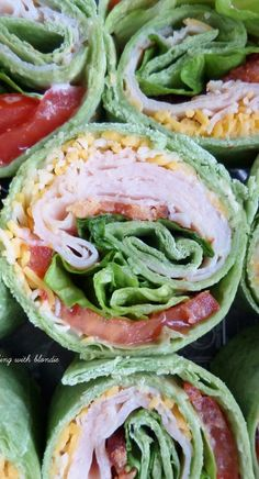 Turkey Club Tortilla Pinwheels - put in wrap uncut for lunch instead Lunch Snacks, Healthy Snacks, Healthy Eating, Healthy Recipes, Healthy Wraps, Work Lunches, Detox Recipes, Pinwheel Sandwiches, Wrap Sandwiches