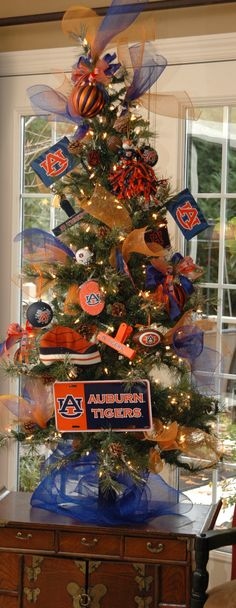 What a perfect Auburn Christmas tree!