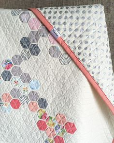 Just finished this quilt, inspired by the hexies pattern signature of @modernhandcraft
