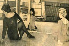 1980: Hatha yoga class ... #vintageyoga #yogahistory #1980s #yoga #yogalife #yogaworld #om