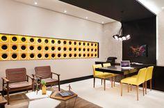 Seja para dividir cômodos ou para decorar, os elementos vazados são destaque nestes espaços