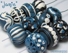 Round polymer clay beads decorated with extrusions, by Leah Hagen (leeleebeads). Via Flickr.