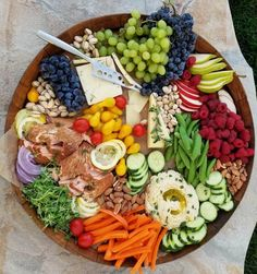 Happy Labor Day weekend! Just wanted to drop in to say - if you're throwing a really great party this weekend...and want to invite me...THIS is what I will bring to your PARTY!  Best way to entertain a crowd! natural smoked wild salmon homemade hummus favorite veggies, berries, grapes,