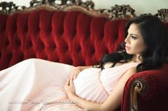 Maternity boudoir, I love this picture!