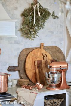 Inspired and romantic living, entertaining, traveling and decorating in a French Country Cottage in the California countryside. French Cottage Style, French Home Decor, French Country Style, French Country Decorating, French Chic, Kitchen Vignettes, Diy Kitchen Decor, Kitchen Ideas, Kitchen Layout