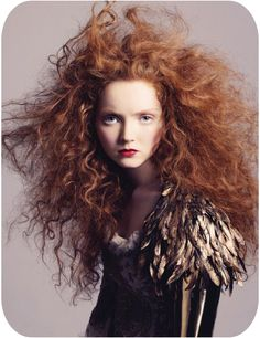 Her name escapes me - The hair + the feathers = wantwantwant