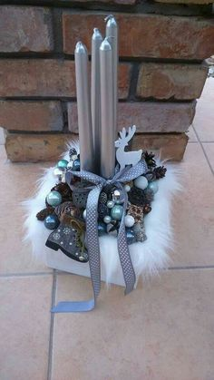 35 Adorable Christmas Craft Ideas That Bring The Holiday Spirit Into Your House Christmas Gift Themes, Christmas Advent Wreath, Christmas Candle Decorations, Unique Christmas Trees, Christmas Candles, Xmas Ornaments, Christmas Art, Winter Christmas, Holiday