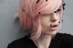 A subdued pink, something i'd love to try.