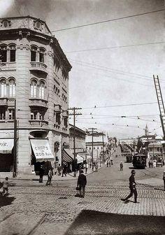 Esquina da Rua Líbero Badaró com Avenida São João, 1916. São Paulo, Brasil.