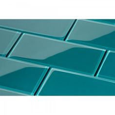 Glass brings a sleek look to the traditional subway tile design. For decades subway tile has been popular for both kitchen backsplashes and in bathrooms. Whether tiling a bath surround, a backsplash or Subway Tile Backsplash, Glass Subway Tile, Wall Tiles, Herringbone Backsplash, Travertine Backsplash, Glass Tiles, Backsplash With Dark Cabinets, Beadboard Backsplash, White Cabinets