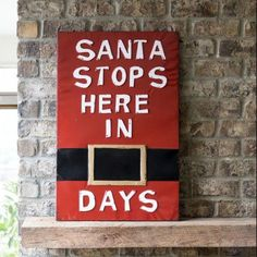 Christmas Wood Crafts, Christmas Signs Wood, Christmas Fun, Holiday Crafts, Diy Christmas Projects, Diy Christmas Wall Decor, Best Christmas Decorations, Xmas Crafts To Sell, Winter Wood Crafts