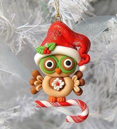 Изделия из холодного фарфора (40 фото): чудеса своими руками http://happymodern.ru/izdeliya-iz-xolodnogo-farfora-40-foto-chudesa-svoimi-rukami/ Елочная игрушка, созданная своими руками
