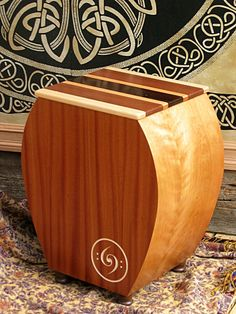 I don't know what cajon this is, but it's interesting.