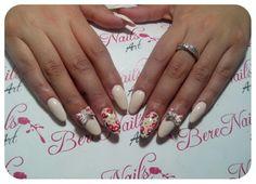 Uñas acrílicas esculturales nail art