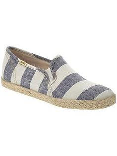 I have these in grey and they are the most comfortable things ever. They go with a lot of my outfits (I dress really casual when I'm living out of my suitcase).