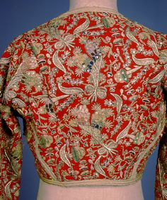 Kondogoúni, jacket made from a Turkish anderí for the 'Amalia' costume Peloponnese. © Peloponnesian Folklore Foundation, Nafplion, Greece The kondogoúni is made of red. Greek Traditional Dress, Traditional Outfits, Queen Costume, Folk Costume, Empire Ottoman, Lesage, Gold Embroidery, Gold Work, Couture