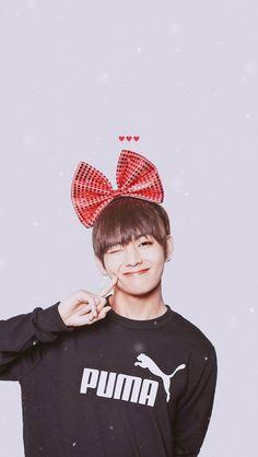 He is so cute!!! V | Taehyung | BTS | Walpaper