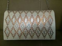 Güzel Bargello, Plastic Canvas Patterns, Handmade Purses, Hardanger, Hands, Bags, Embroidery