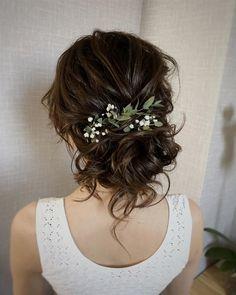 Tendenze da seguire, colori, acconciature: tra velo e onde naturali, ecco le proposte più belle per i capelli sposa 2018. #weddingHair