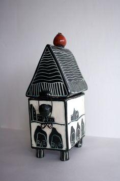 Kira O'Brien: Apple, 2011, white earthenware, black and colored slips, 1150 transparent glaze, 20x8x12cm