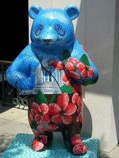 My photographs of Washington DC, Arizona, Airship, and Nature. Big Panda, Panda Bear, Animal Sculptures, Washington Dc, My Eyes, Smurfs, Dinosaur Stuffed Animal, Street Art, Toys